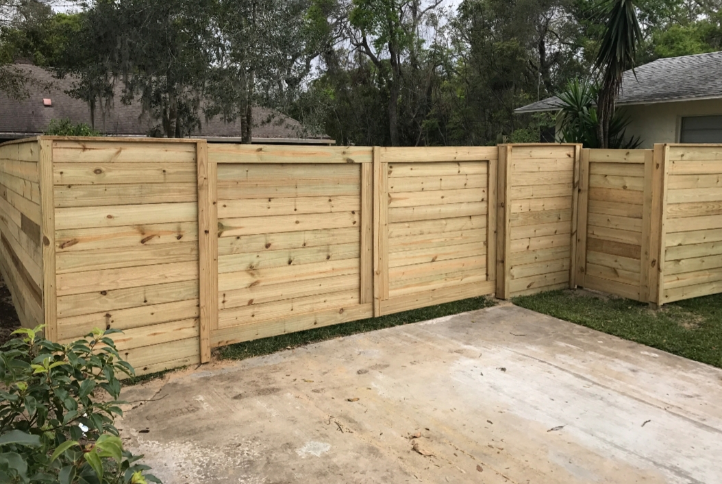 common fence installed in weston